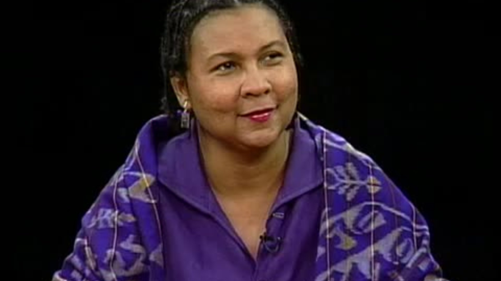 bell hooks Reviewed by nicky baxter professor and essayist bell hooks' triple-speared critiques of race, sex and class range from the compellingly personal to the dauntingly.